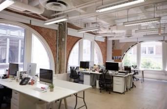 Bạn có muốn khách hàng luôn ấn tượng với thiết kế nội thất văn phòng của công ty bạn không?!
